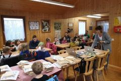 Vogelhäuser bauen und Vortrag über Vögel im Lehrbienenstand in Monheim